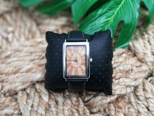 880LW Ladies Strap Watch