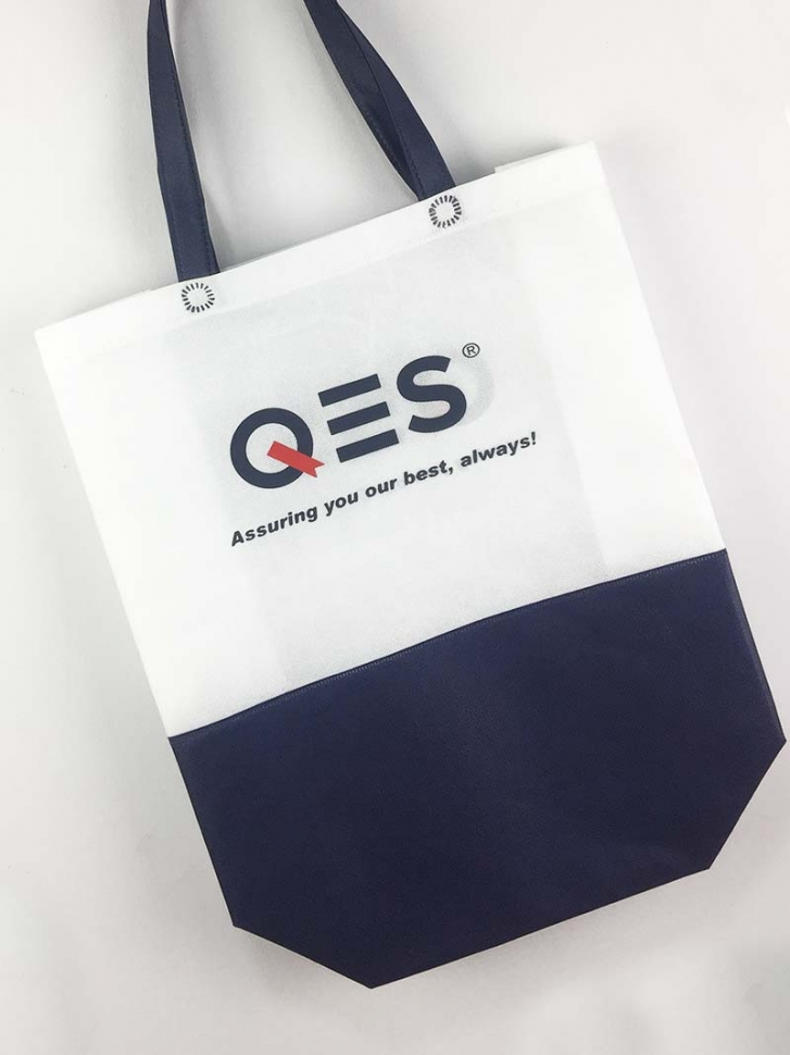 Silk Screen Printing Logo On Non-Woven Bag